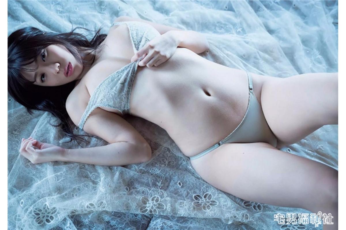 说起童颜巨乳,不得不提铃木富美奈