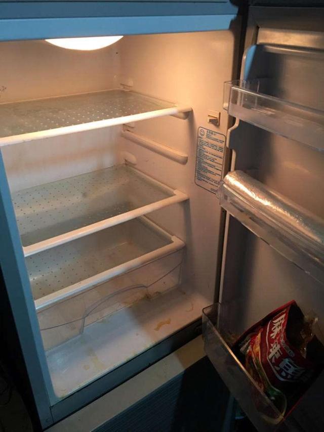 冰箱冷藏室有水该怎么办?结冰?别再置之不理