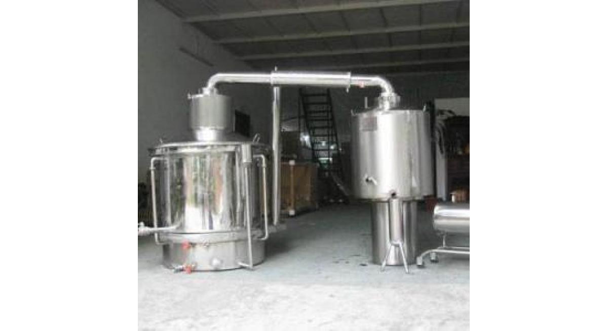 农村在家加工小项目,准备小型酿酒设备在家酿酒做厂长!