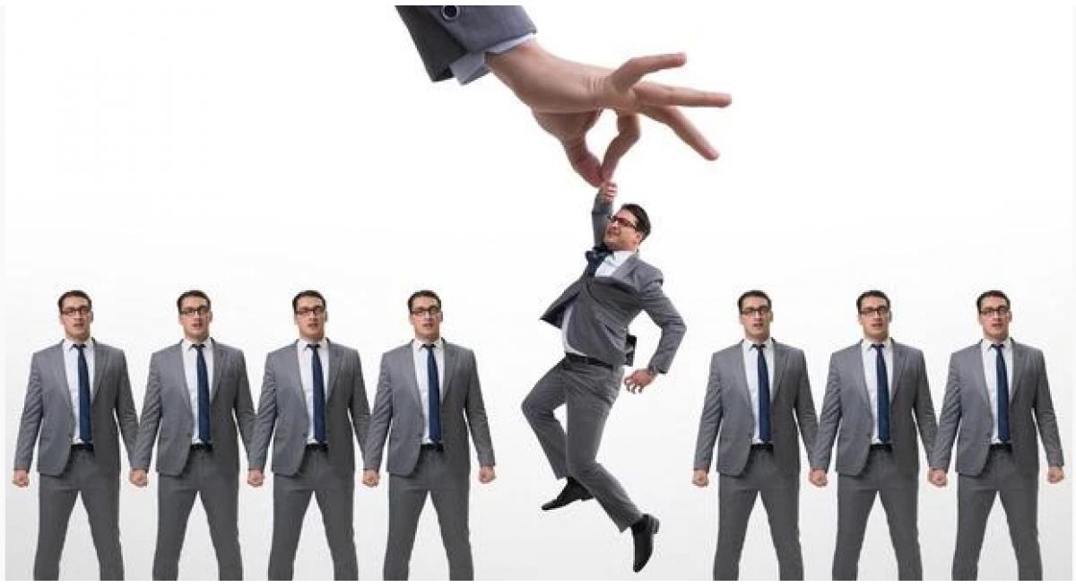 微商如何引流精准客户?只需一招,就能让精准人脉主动送上门