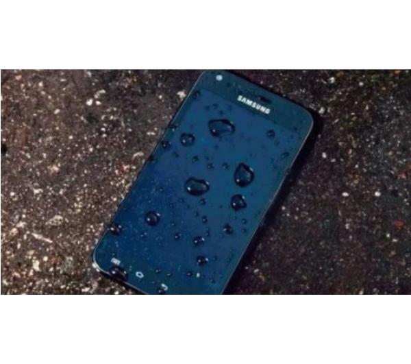 一体机手机进水怎么办维修要多少钱,根据情况来来处理